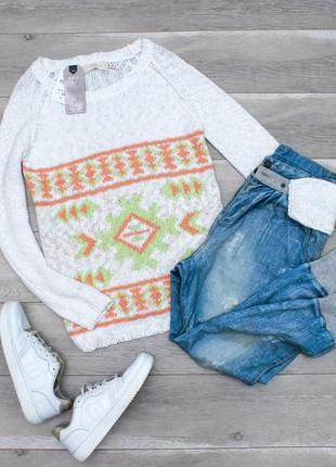 Нежный свитер bershka с орнаментом