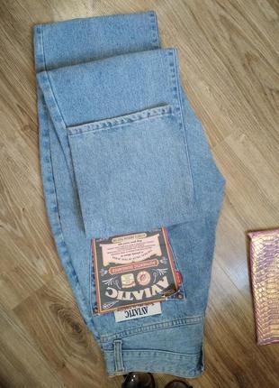 Модные современные итальянские мом джинсы,  момсы,  mom