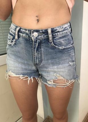 Нові джинсові шорти