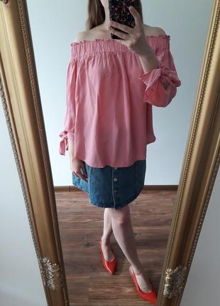 Очень стильная розовая  блуза  h&m