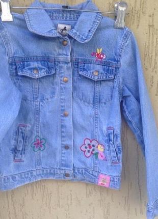 Курточка джинсовая  на девочку 116см