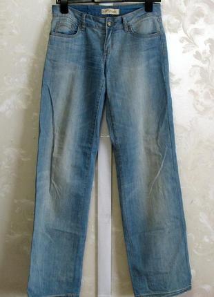 Светлые джинсы r. marks