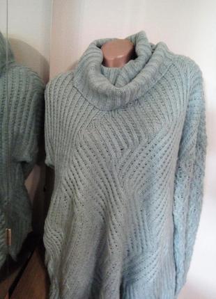 Теплый свитер  цвета мяты