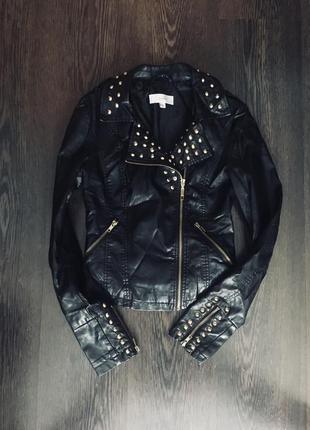 Чёрная кожаная косуха с шипами3 фото