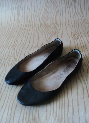 Балетки кожаные мягкие туфли без каблука низком ходу черные круглым носком широкую ногу