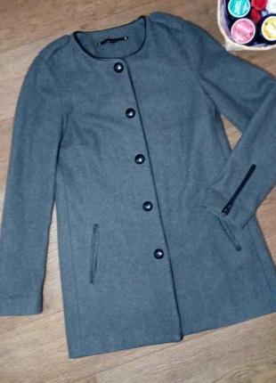 Фирменное шерстянное пальто
