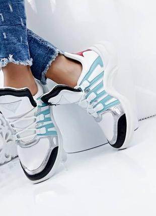 Женские кроссовки в стиле louis vuitton
