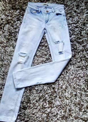 Крутые джинсы stradivarius