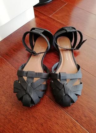 Трендовые туфли на низком ходу от atmosphere