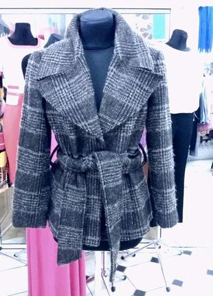 Пальто від зара