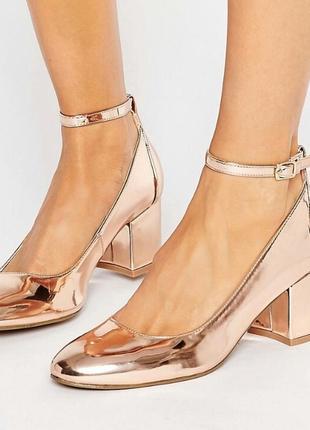 Стильні туфельки на товстоу каблуку