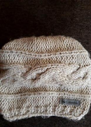 Вязаная молодежная шапочка-бини с подворотом