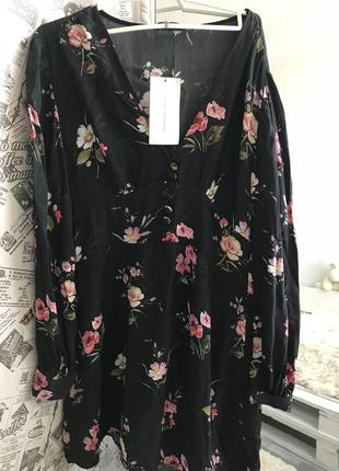 Платье с длинным рукавом в цветочек