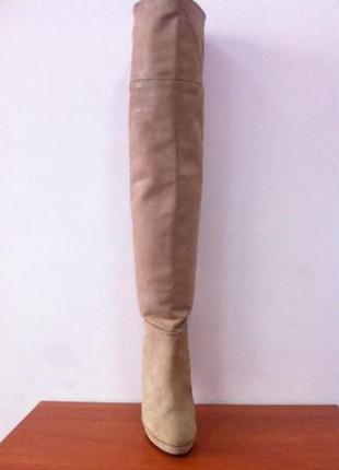 Продам бежевые замшевые сапоги ботфорты