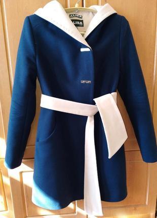 Пальто осеннее бежевое синее нарядное куртка шуба пуховик кашемир бренд
