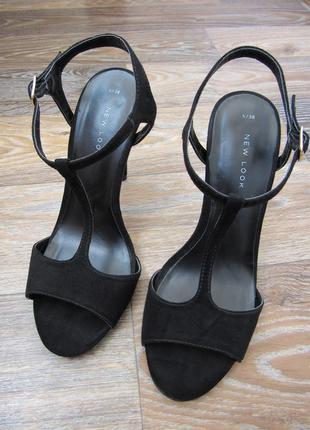 Замшевые черные босоножки new look