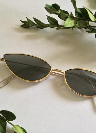 Черные имиджевые очки в золотой оправе кошачий глаз кошкак лисички asos