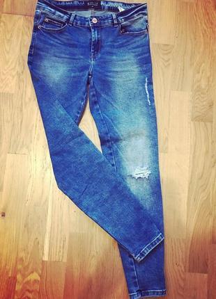 Женские джинсы mohito