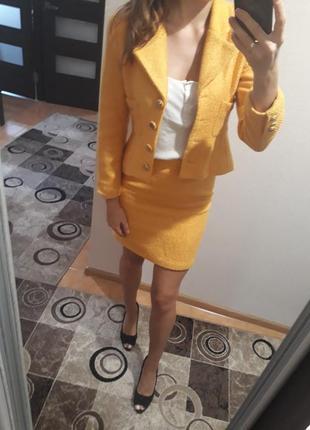 Трендовый яркий шерстяной твидовый костюм в стиле шанель channel пиджак юбка