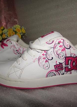 Фирменные кроссовки 100% натуральная кожа ~ dc shoes ~ р 36