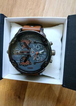 Продам новые мужские наручные часы марки diesel brave