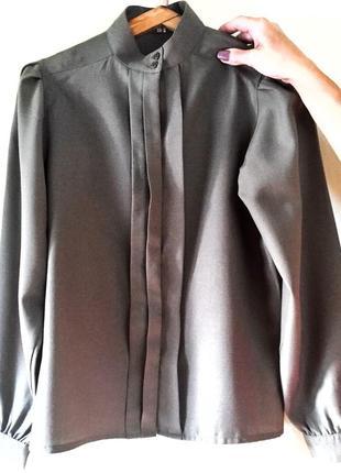 Невероятно стильная рубашка цвета хаки от британского бренда gor-rayne 🙌🏻