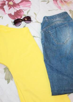 Удлиненная футболка/туника  с разрезами желтая