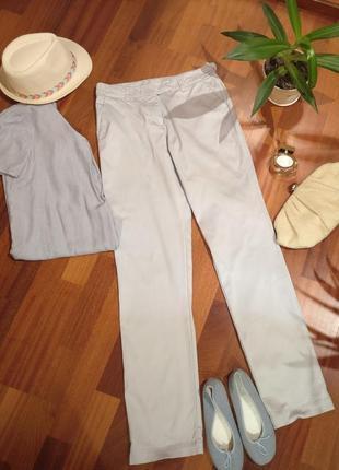 Стильные классические брюки постельного мягкого ближе к серебристому цвета от tatuum