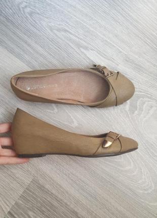Новые кожаные туфли балетки 39 размер cristian lay удобные