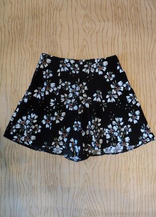 Юбка шорты завышенной талией черные мини короткие принт цветочек цветы цветок актуальные