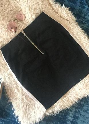Скидка)обалденна юбка с боковыми лампасами украшенными в мульти-пайетки на р. 38(м)💋❣️