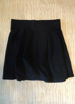 Юбка трикотажная на резинке черная мини короткая завышенной талией клеш хлопковая
