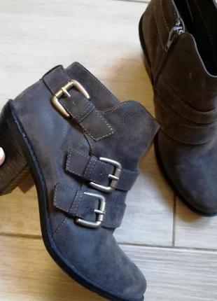 Осенние ботинки / полуботинки /сапоги.