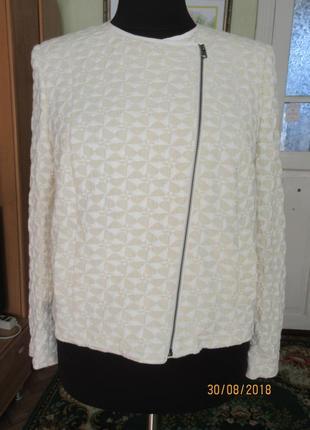 Рельефный жакет пиджак на молнии 22 р-ра