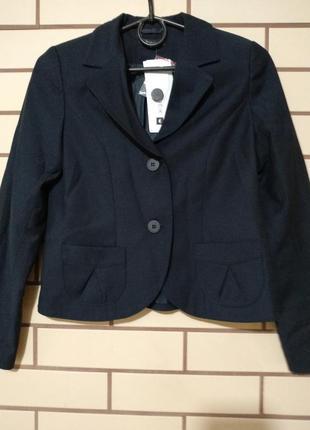 Школьная форма войчик, пиджак и юбочка р.140