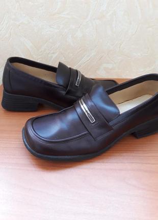 Кожанные туфли kickers