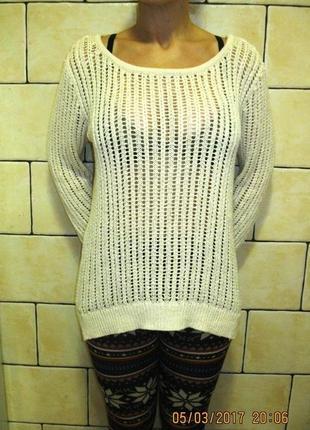 Красивый весенний свитер