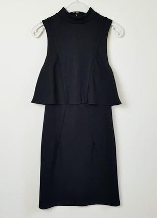 Платье в рубчик с оборкой