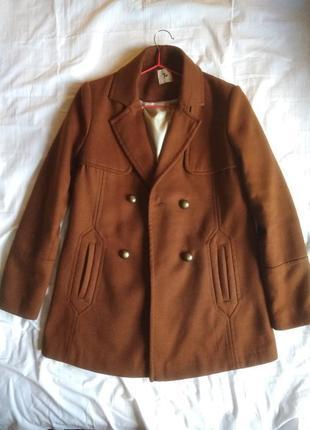 Классическое прямое двубортное демисезонное пальто бойфренд коричневое с мехом