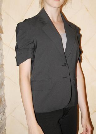 Школьный пиджак s 158-164-170. kira plastinina. очень красивый.