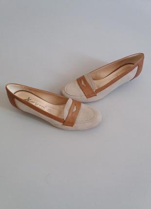 Туфли балетки на маленьком каблуке замшевые vera pelle1 фото