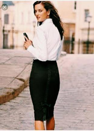 Цена снижена !элегантная юбка-карандаш с оригинальной спинкой 44-46 р