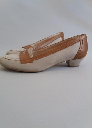 Туфли балетки на маленьком каблуке замшевые vera pelle2 фото