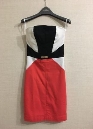 Обтягивающие платье
