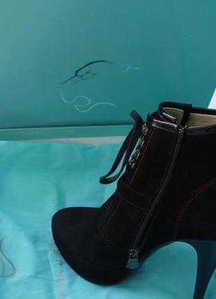 Шикарные ботиночки на шпильке norma j baker