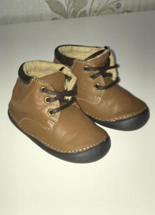 Новые кожаные демисезонные ботиночки lupilu