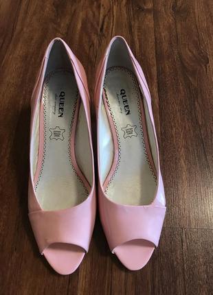 Туфли на среднем каблуке размер 38