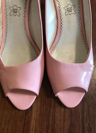 Туфли на среднем каблуке размер 382