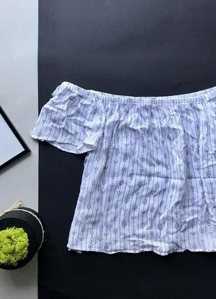 Белая свободная блуза на плечи с принтом/ свободная майка открытые плечи