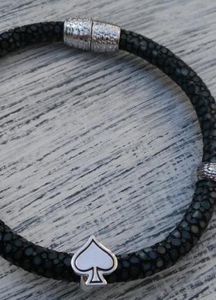 Стильный браслет из кожи ската